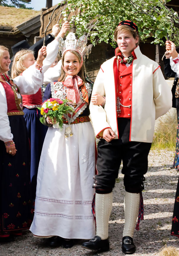 traditional-weddings-around-the-world-241__605